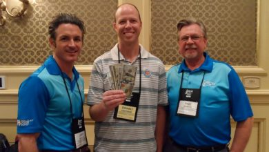 Photo of Two Attendees Win $500 at Arrow's Biloxi Show