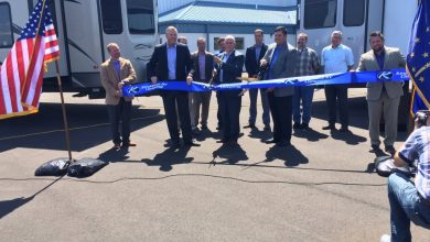 Photo of Indiana Governor Praises RV Industry in Keystone RV Stop
