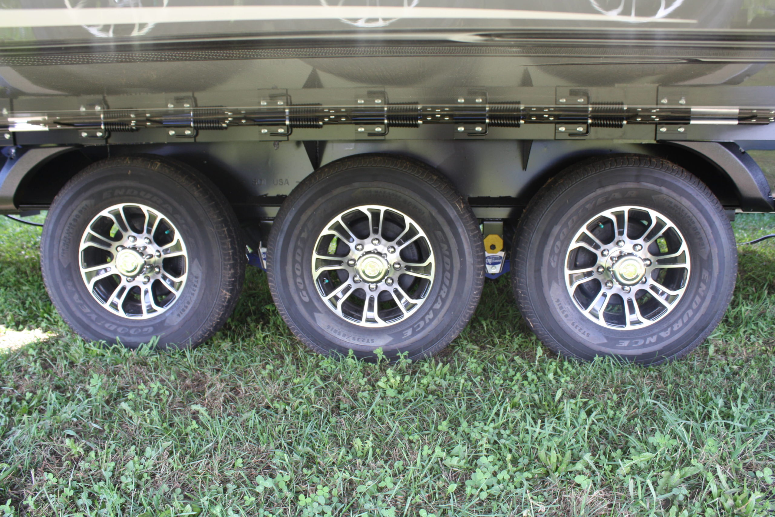 The new 2017 Jayco Seismic fifth when sports three Goodyear made-in-the-U.S.A. Endurance ST tires on each side of its chassis.