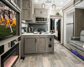 Photo of Keystone RV Reveals 2020 Décor for Raptor and Carbon